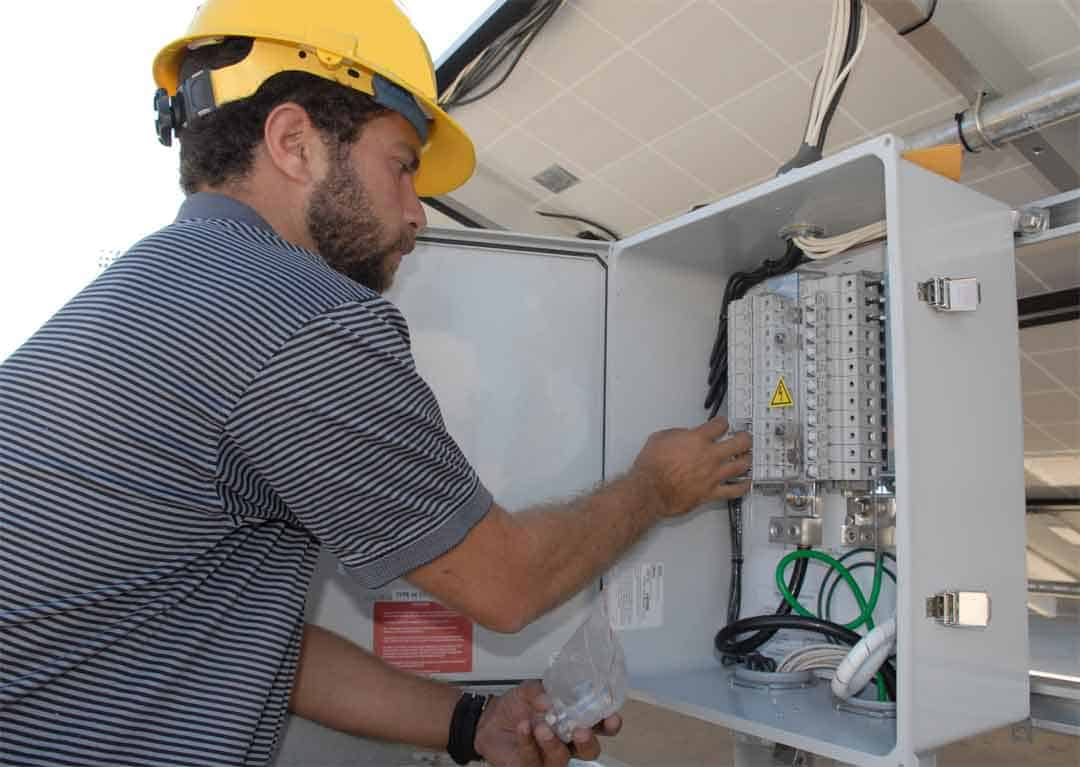 What Do You Do When Your Solar Inverter Dies?